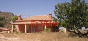 Chalet independiente en Hondon de las Nieves